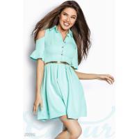 Платье открытыми плечами