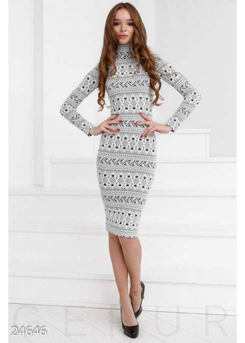 Контрастное платье-миди
