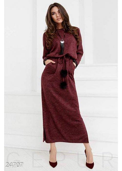 Теплое платье-реглан
