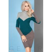 Трехцветное вязаное платье