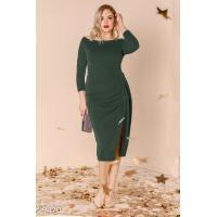 Тёмно-зелёное платье с драпировкой