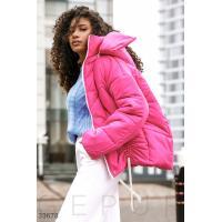 Куртка яркого розового цвета