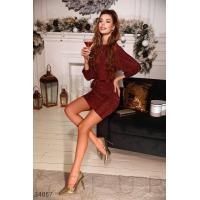 Красное платье с эффектом металлик