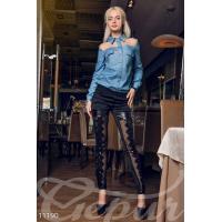 Голубая джинсовая рубашка