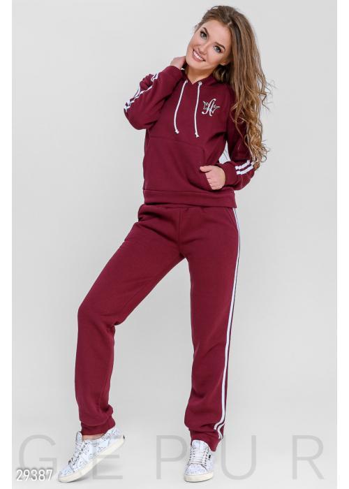 c151399af7a Купить женские спортивные костюмы с капюшоном по низкой цене в ...