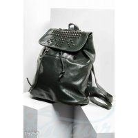 Рюкзак с клепками
