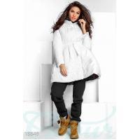 Объемное приталенное пальто